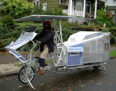 Camping-car 2-roues à propulsion musculaire. Bref, un camping-bike.<br />